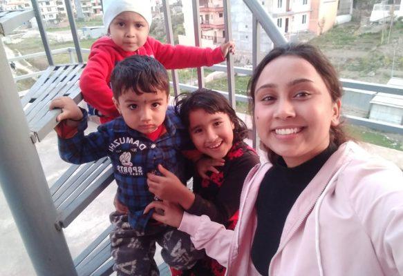 Srijana (24), Nepal, mit Führerschein